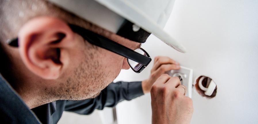 En elektriker