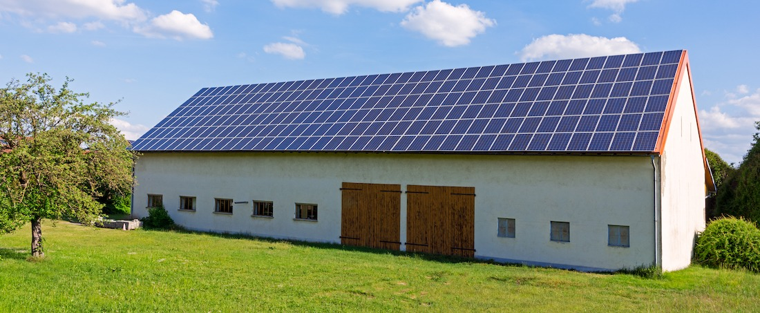 solpaneler på en jordbruksfastighet