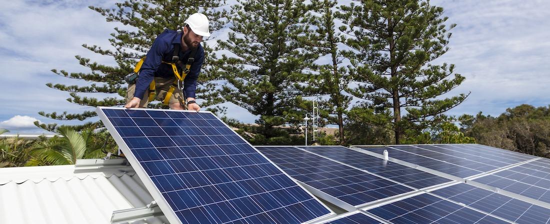 solcellsinstallatör på tak